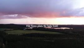 Drönarbild över solnedgång över sjön Hulingen