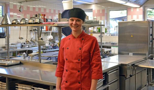 Matilda Trawtschenko i Lindblomsskolans kök.